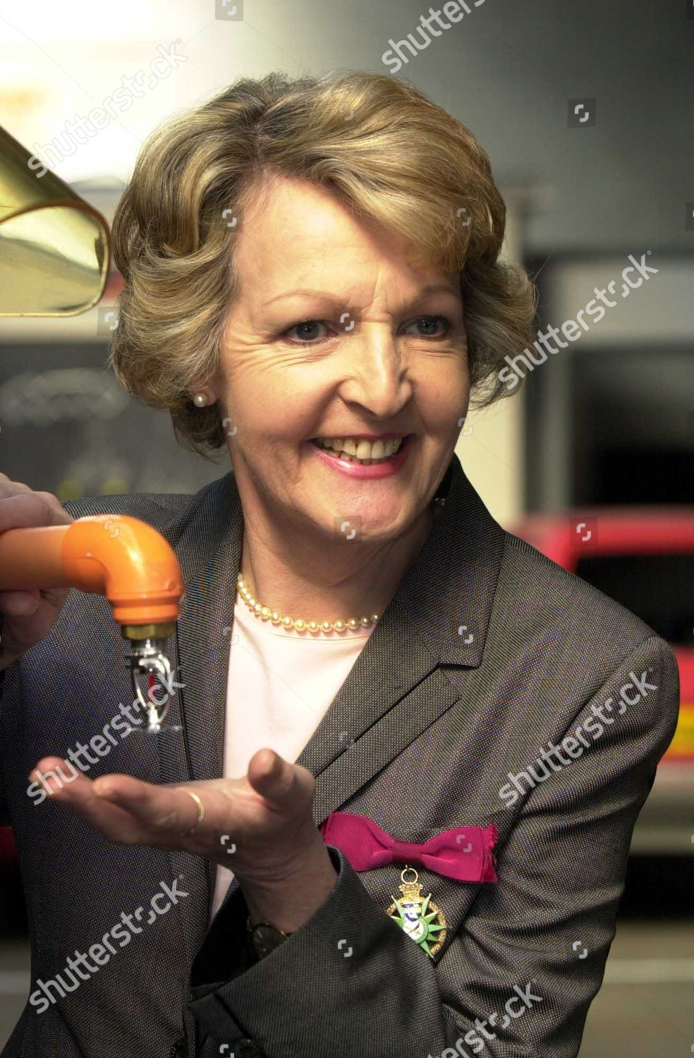 picture Penelope Keith