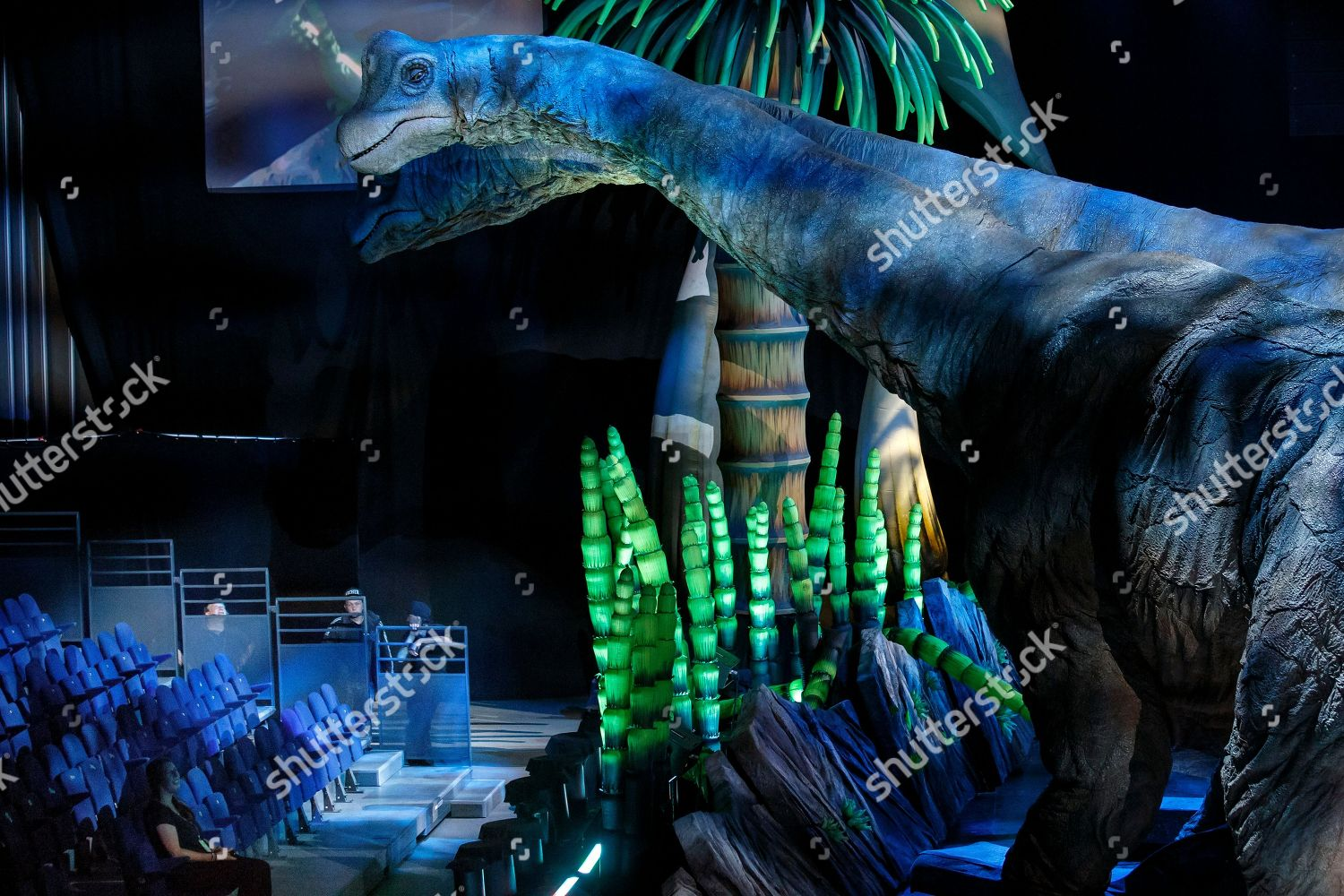 view two animated Brachiosauruses during rehearsal show
