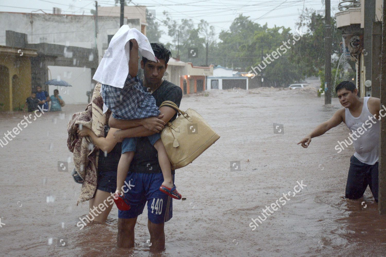 Inhabitants Culiacan municipality beat rain move safe Editorial