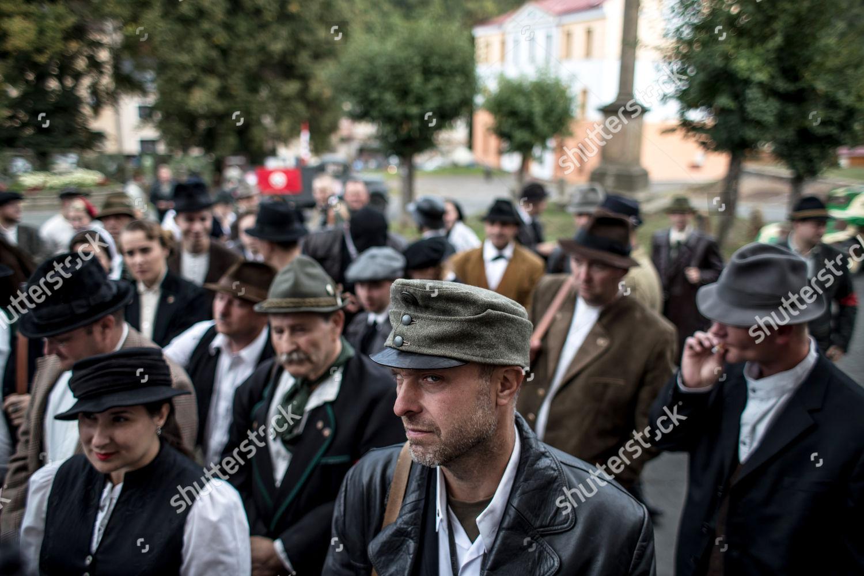 Participants Look Like Sutherland Freikorps Wait Presentation