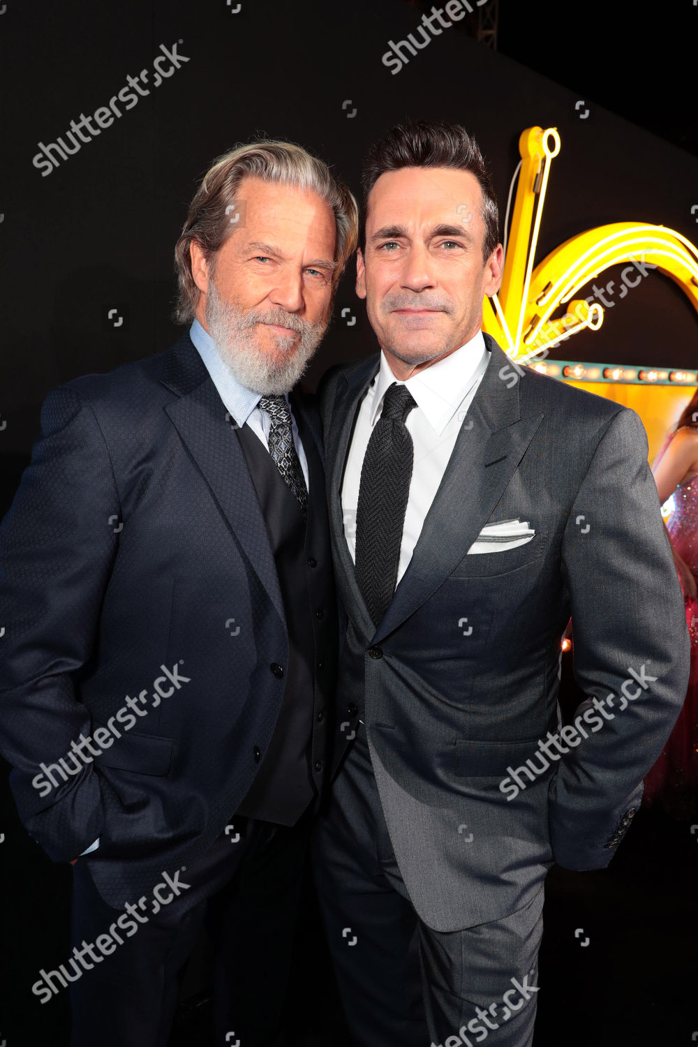 ¿Cuánto mide Jon Hamm? Twentieth-century-fox-bad-times-at-the-el-royale-global-film-premiere-at-tcl-chinese-theatre-los-angeles-usa-shutterstock-editorial-9889786eu
