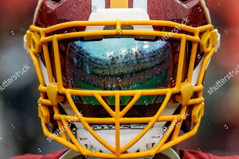 new arrival de8d8 c807e Rain beads on Washington Redskins defensive back Editorial ...