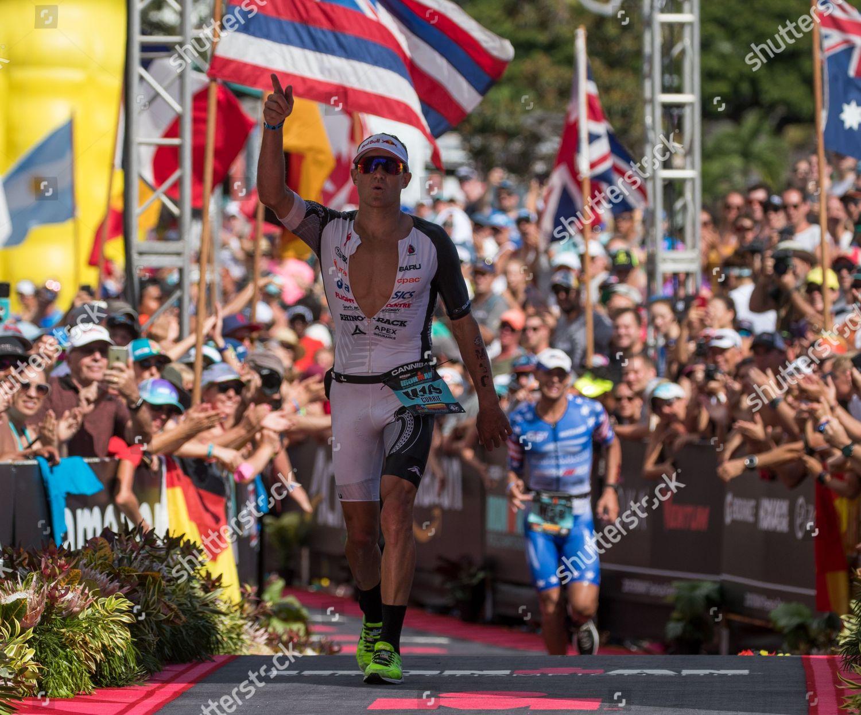 Braden Currie New Zealand crosses finish line Editorial