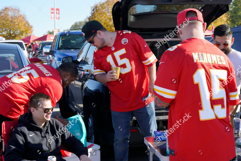 free shipping 4c43c 60886 Kansas City Chiefs fans wear Patrick Mahomes Editorial Stock ...