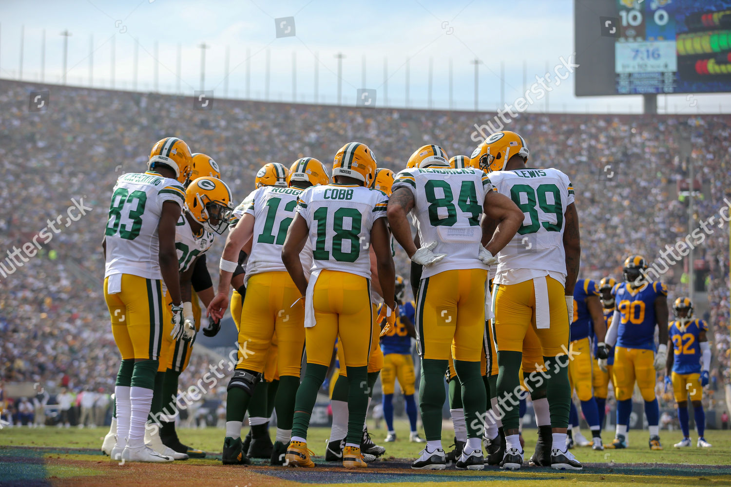 e3462719f Los Angeles CAGreen Bay Packers offensive huddle Stock Photo ...