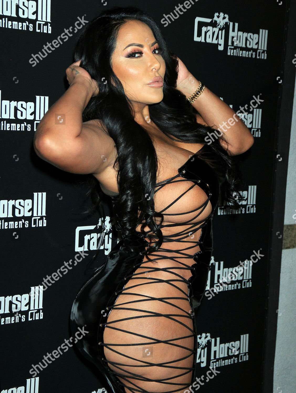 Kiara Mia Hosts Party At Crazy Horse 3 Gentlemens Club Las Vegas Usa