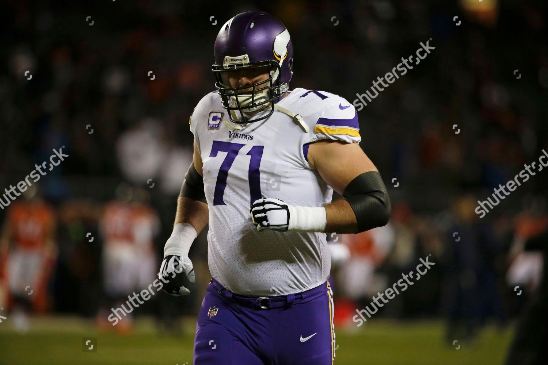 big sale 207a3 3b036 Minnesota Vikings offensive tackle Riley Reiff 71 Editorial ...