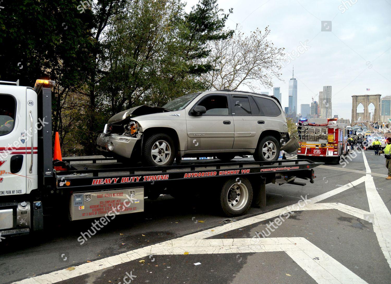 six car accident on Brooklyn Bridge left Editorial Stock