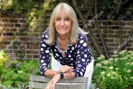 Lynn Faulds Wood