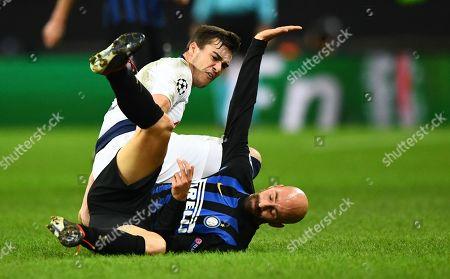 Harry Winks of Tottenham Hotspur battles with Borja Valero of Internazionale