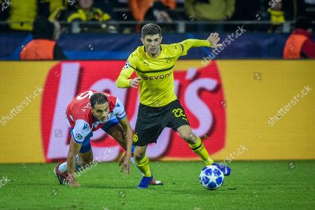 Football : Germany - Champions League 2018/2019 Borussia Dortmund  Vs FC Brügge  28.11.2018- Christian Pulisic (Borussia Dortmund), Sofyan Amrabat (FC Brügge)