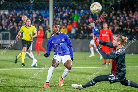 Sarpsborg´s Rashad Muhammed (L) scores the 1-0 lead past Besiktas goalkeeper Loris Karius during the UEFA Europa League Group I match between Sarpsborg and Besiktas in Sarpsborg, Norway, 29 November 2018.
