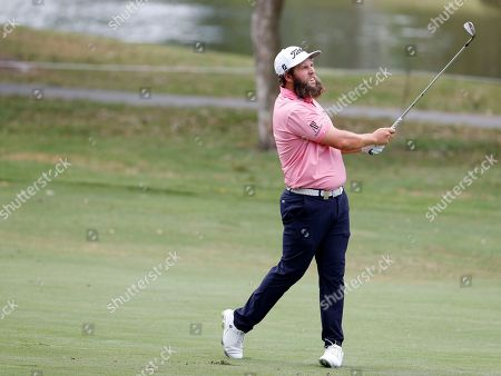 Andrew Johnston of England watches the progress of his shot during the Australian PGA Championships at the Royal Pines Resort on the Gold Coast, Australia, 30 November 2018.