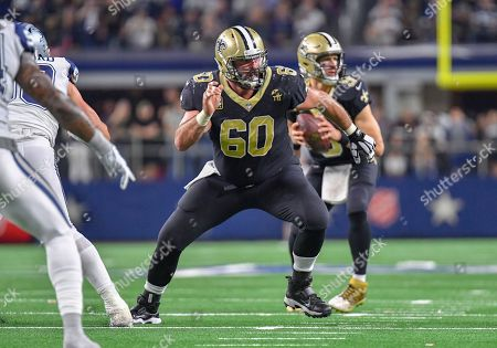 New Orleans Saints center Max Unger #60 during a Thursday Night Football NFL game between the New Orleans Saints and the Dallas Cowboys at AT&T Stadium in Arlington, TX Dallas defeated New Orleans 13-10 Albert Pena/CSM