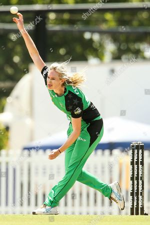 Holly Ferling of Melbourne Stars bowls during the Melbourne Stars vs Sydney Sixers Women's Big Bash League match at the CitiPower Centre, St.Kilda, Melbourne. Picture by Martin Keep