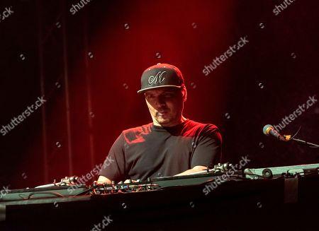 Cypress Hill - Mixmaster Mike (Michael Schwartz)
