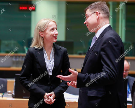 Polish Finance Minister Teresa Czerwinska (L) and Valdis Dombrovskis, vice president of the European commission for the Euro and Social Dialogue (R) attend an extended EU Eurogroup meeting at the European Council in Brussels, Belgium, 3 December 2018.