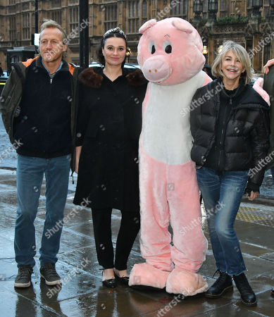 Jerome Flynn, Gizzi Erskine, Leslie Ash - Photocall for Factory Farming Investment Risks campaign film opposing plans for a massive pig farm in Northern Ireland, in Lough Foyle where Game of Thrones is filmed,
