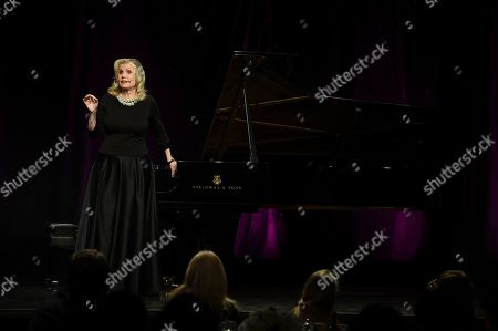 """Pianist and honoree Mona Golabek performs excerpts from """"The Children of Willesden Lane"""" at Los Angeles Museum of the Holocaust's 2018 Annual Gala commemorating the 80th anniversary of the Kindertransport, on in Beverly Hills, Calif"""
