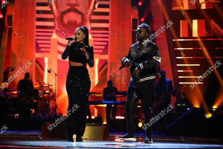 The Black Eyed Peas - will i am perform Wings and Just Can't Get Enough with Nicole Scherzinger.