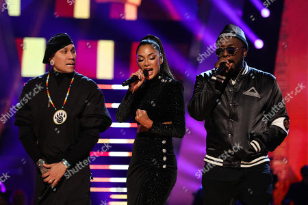 The Black Eyed Peas - will i am, Taboo (Jaime Luis Gomez), perform Wings and Just Can't Get Enough with Nicole Scherzinger.