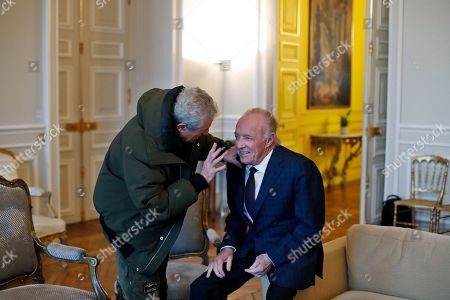 U.S actor James Caan, right, talks with French director Claude Lelouch prior to be awarded with the Vermeil Paris medal, at the Paris city Hall, in Paris