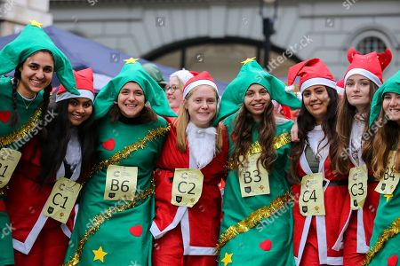 Christmas Pudding Race, London
