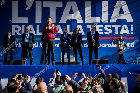 Matteo Salvini, Giancarlo Giorgetti, Erika Stefani, Lorenzo Fontana, Gian Marco Centinaio, Marco Bussetti attends a rally staged by the League party in piazza del Popolo