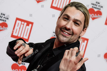 German violinist David Garrett arrives for the charity gala Ein Herz fuer Kinder (A Heart for Children) in Berlin, Germany, 08 December 2018. German television channel ZDF and newspaper 'Bild' collected donations for children's charity organizations in Germany and the whole world.