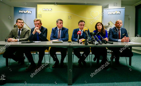 (L-R) Sander Loones is the Belgian Minister of Defence, Belgian Finance Minister Johan Van Overtveldt,  Belgian Interior Minister Jan Jambon, Bart De Wever, New Flemish Alliance (Nieuw-Vlaamse Alliantie, N-VA) party leader, Belgium State Secretary for Poverty and Equal opportunities Zuhal Demir and Belgian Secretary of State for Asylum, Migration, member of NVA Party Theo Francken give a press conference after the NVA left the negotiation during a Minister Council in Brussels, Belgium, 08 December 2018. The NVA threatens to leave the Belgian government if Prime Minister Charles Michel goes to Marrakesh to defend the UN migration pact.
