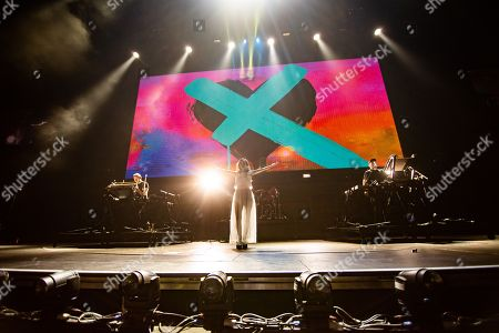Chvrches - Iain Cook, Lauren Mayberry, Martin Doherty