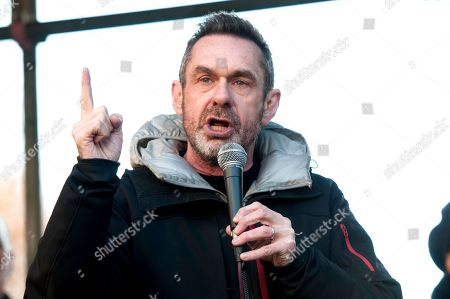 Journalist Paul Mason speech at an anti-racist counter protest against the 'Brexit Betrayal March'.