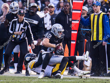 Oakland U.S.A CA Oakland Raiders wide receiver Jordy Nelson (82) catch a pass for a first down during the NFL Football game between Pittsburgh Steelers and the Oakland Raiders 24-21 win at O.co Coliseum Stadium Oakland Calif. Thurman James / CSM
