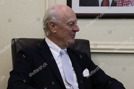 Outgoing United Nations envoy for Syria Staffan De Mistura speaks with Jordan Foreign Minister Ayman Safadi, during a meeting at the Foreign Ministry in Amman, Jordan, 10 December 2018. De Mistura announced in October he would step down at the end of November from his post as Special Envoy for Syria.