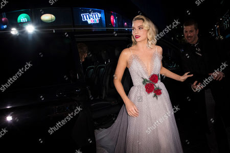Margot Robbie arrives at the premiere of the film 'Mary Queen of Scots', in London