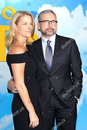Steve Carell (R) arrives with his wife Nancy Carell