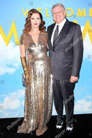 Leslie Zemeckis (L) and her husband US producer Robert Zemeckis arrive