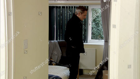 Stock Image of Ep 9660 Monday 7th January 2019 - 1st Ep Gina Seddon breaks into Duncan's, as played by Nicholas Gleaves, flat. When Duncan returns home, Gina hides under the bed.