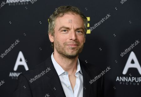 """Justin Kirk arrives at the world premiere of """"Vice"""", at the Samuel Goldwyn Theater in Beverly Hills, Calif"""