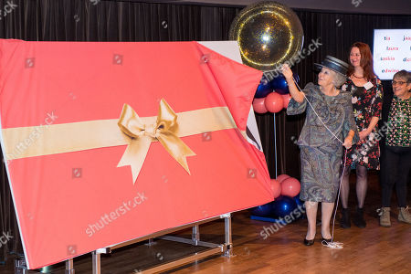 Princess Beatrix unveils the new name of Sensoor, Hilversum