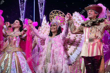 Danielle Hope (Snow White), Dawn French (The Wicked Queen) and Nigel Havers (The Understudy) during the curtain call