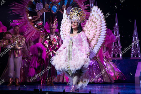 Dawn French (The Wicked Queen) during the curtain call