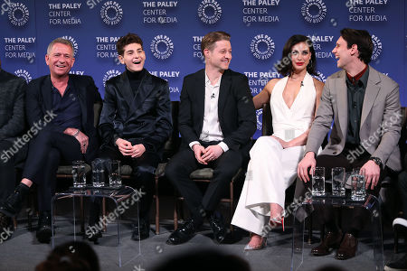 Stock Picture of Sean Pertwee, David Mazouz, Benjamin McKenzie, Morena Baccarin and Cory Michael Smith