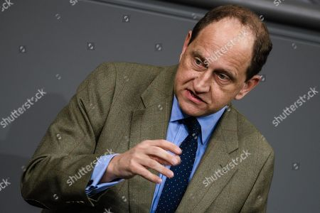 Member of Parliament of the Free Democratic Party (FDP) Alexander Graf Lambsdorff delivers a speech during a session of the German parliament 'Bundestag' in Berlin, Germany, 13 December 2018. Members of the German Bundestag gathered to discuss a motion of the CDU/CSU and SPD faction for an orderly Brexit.