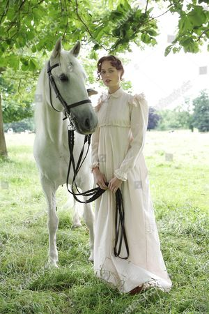 'Wuthering Heights'  TV  - 2009 - Rosalind Halstead as Isabella Linton.