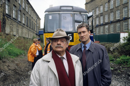 'A Touch of Frost'  TV - 1997 -  House Calls - David Jason as D.I. Jack Frost and Nigel Harrison as D.C.I. Peters.