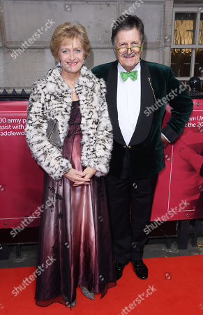Stock Picture of Tim Wonnacott and wife