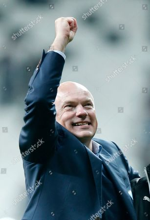 Malmo's head coach Uwe Rosler celebrates after the Europa League, Group I, soccer match between Besiktas and Malmo FF at the Besiktas Park stadium, in Istanbul