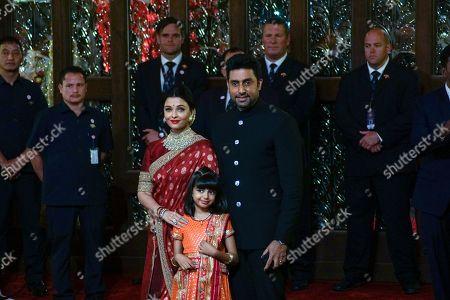 Bollywood Abhishek Bachchan with Aishwarya Rai Bachchan and daughter Aaradhya