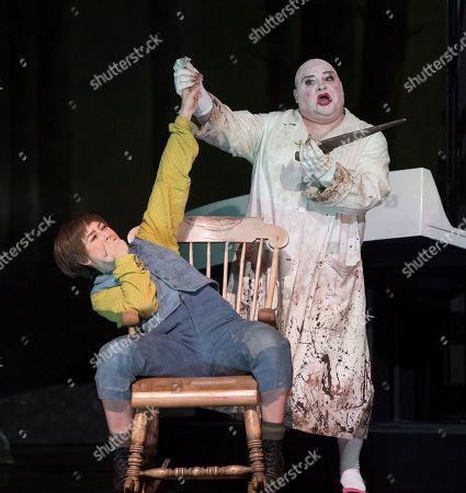 Hanna Hipp as Hansel, Gerhard Siegel as The Witch